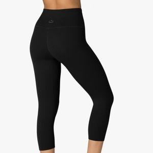 Beyond yoga capri leggings